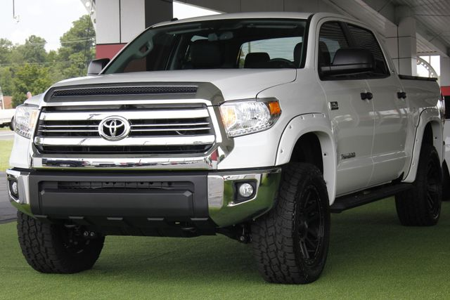2017 Toyota Tundra SR5 CrewMax 4x4 - LIFTED! Mooresville , NC 27