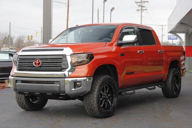 2017 Toyota Tundra LIMITED PREMIUM EDITION CrewMax 4x4 - LIFTED! Mooresville , NC 23