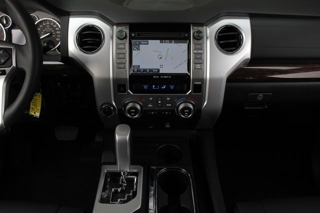 2017 Toyota Tundra LIMITED PREMIUM EDITION CrewMax 4x4 - LIFTED! Mooresville , NC 10