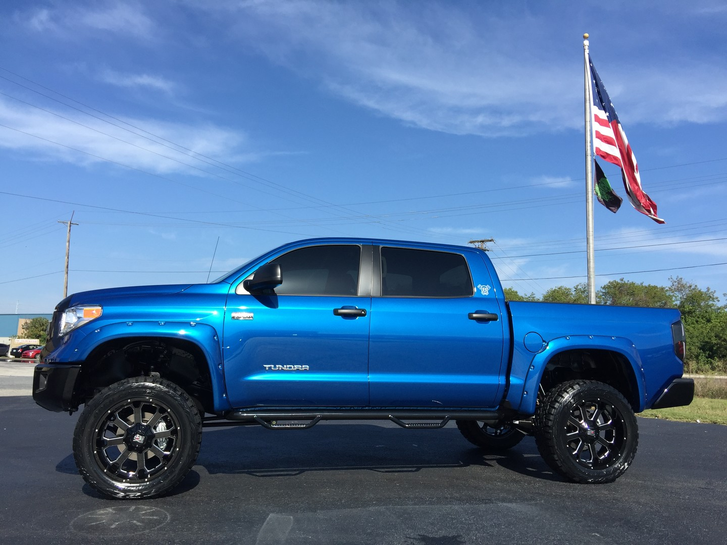 2017 toyota tundra custom lifted leather crewmax 4x4 florida bayshore automotive. Black Bedroom Furniture Sets. Home Design Ideas