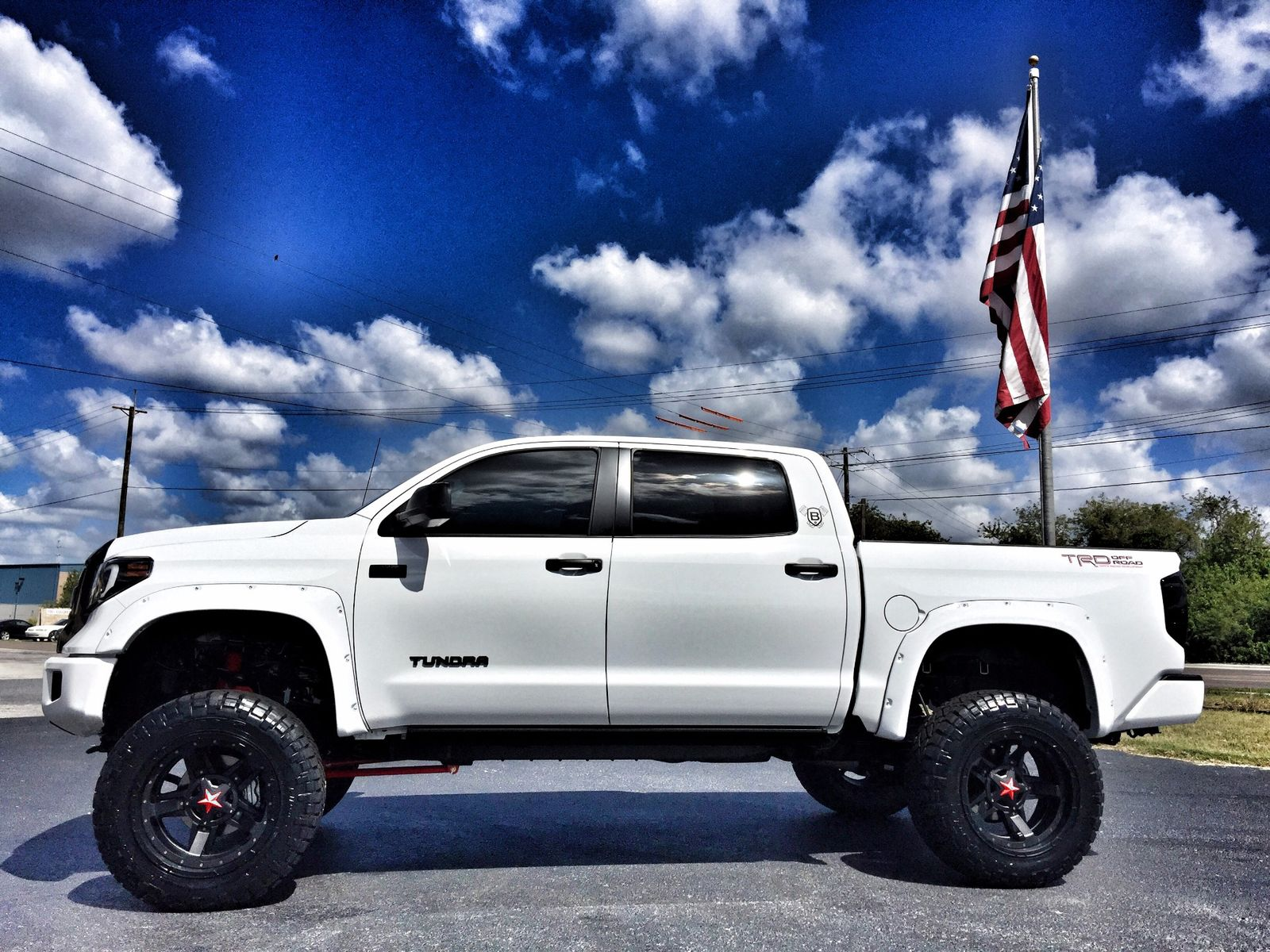 2017 toyota tundra custom lifted leather crewmax 4x4 v8 florida bayshore automotive. Black Bedroom Furniture Sets. Home Design Ideas