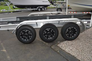 2017 Venture Boat Trailer Commander-10800 Tri Axle East Haven, Connecticut 5