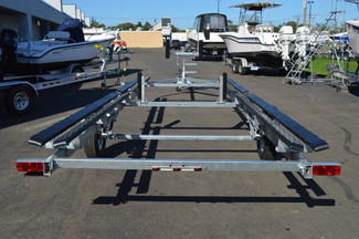 2018 Venture VP-24-25 Pontoon Trailer Fits 22-24ft pontoon, 2500lb capacity East Haven, Connecticut 13
