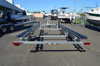 2018 Venture VP-24-25 Pontoon Trailer Fits 22-24ft pontoon, 2500lb capacity East Haven, Connecticut 4