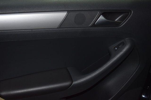 2017 Volkswagen Jetta 1.4T S Richmond Hill, New York 17