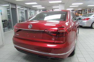 2017 Volkswagen Passat R-Line w/Comfort Pkg Chicago, Illinois 8