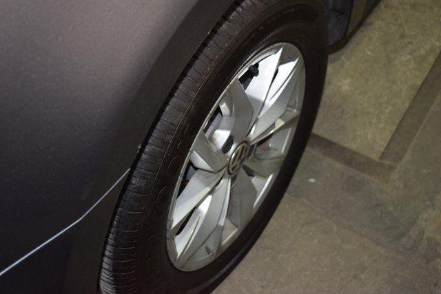 2017 Volkswagen Passat 1.8T S Richmond Hill, New York 7