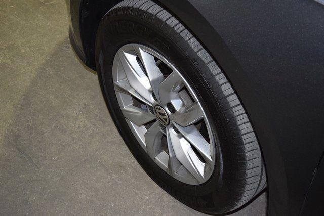 2017 Volkswagen Passat 1.8T S Richmond Hill, New York 8