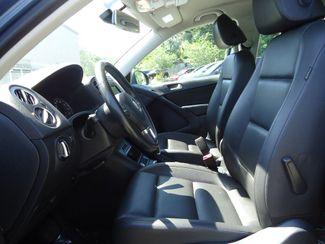 2017 Volkswagen Tiguan 2.0T LEATHER. CAMERA. HTD SEATS SEFFNER, Florida 3