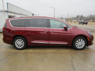 2018 Chrysler Pacifica Touring L Houston, Mississippi 3