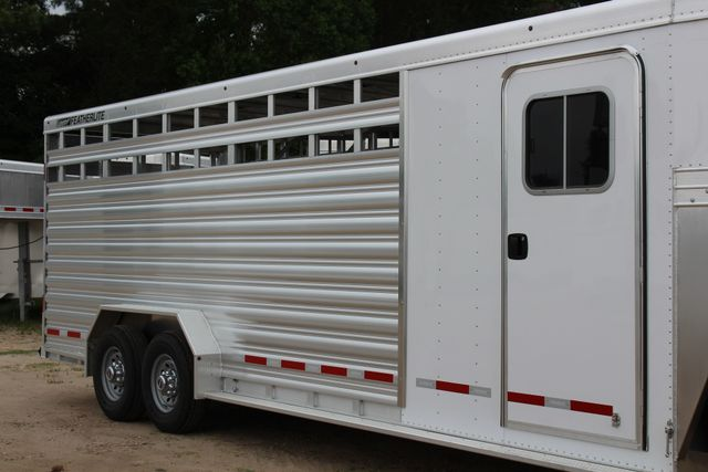 2018 Featherlite 8413 - 24' 5H Five Horse Slant with Dressing Room CONROE, TX 1