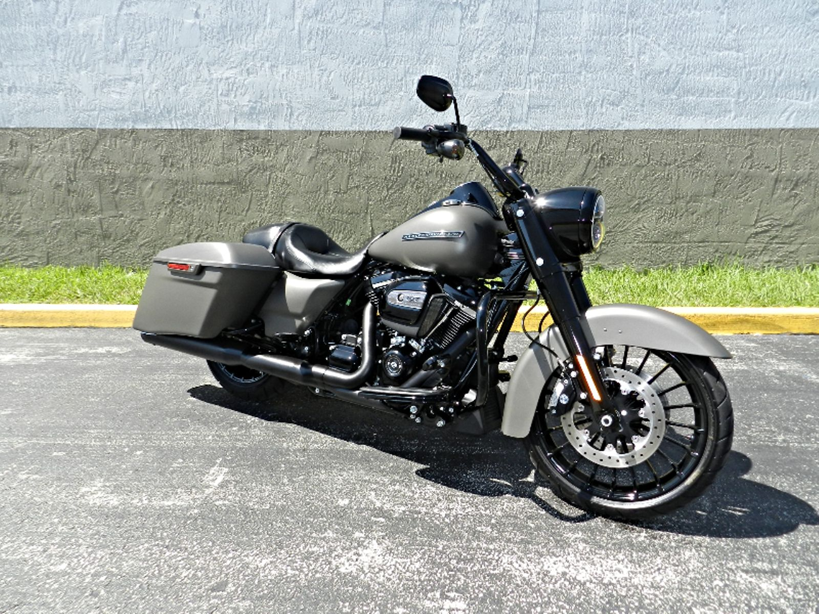 2018 harley davidson road king special flhrxs stage 1 vance hines same as new city florida mc cycles. Black Bedroom Furniture Sets. Home Design Ideas