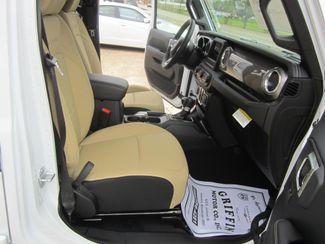 2018 Jeep All-New Wrangler Unlimited Sahara Houston, Mississippi 7