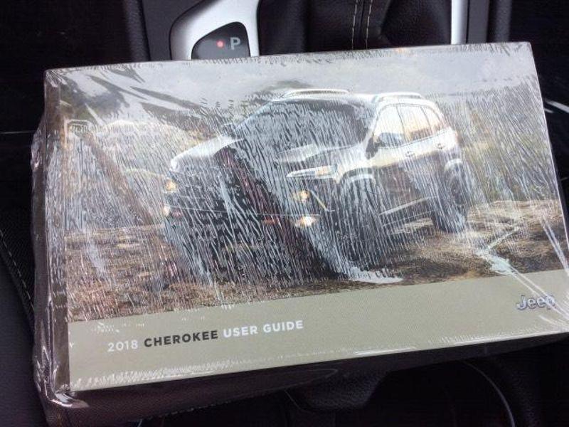 2018 Jeep Cherokee Latitude Plus  in Victoria, MN