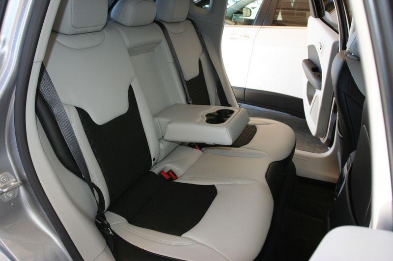 seat dealer ede