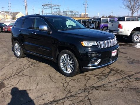 2018 Jeep Grand Cherokee Summit in Victoria, MN