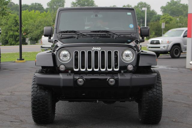 2018 Jeep Wrangler JK Unlimited Sahara 4X4 - LIFTED - EXTRA$! Mooresville , NC 16