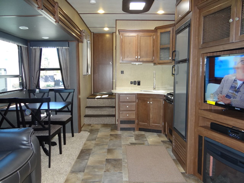 2018 Keystone Sprinter 269FWRLS Dual Slides Fifth Wheel | Colorado Springs, CO | Golden's RV Sales in Colorado Springs, CO