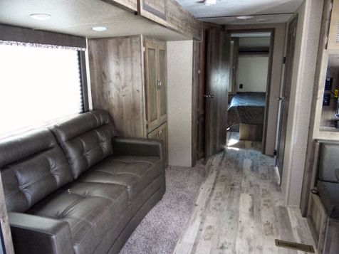 2018 Keystone Sprinter 25RK - Auto Level - Thrml Pak - Easy Pull Big Storage - Residential Shower - LED Lights | Colorado Springs, CO | Golden's RV Sales in Colorado Springs, CO