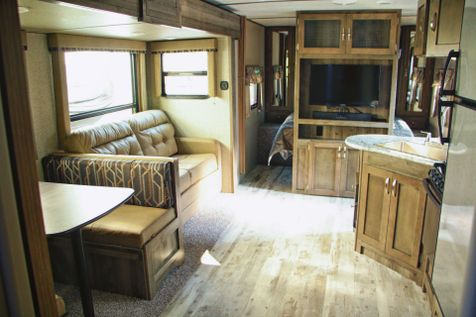 2018 Keystone Sprinter 26RB Slide-Out Ext Kitchen | Colorado Springs, CO | Golden's RV Sales in Colorado Springs, CO
