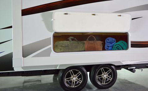 1985 Lance 2018 Travel Trailer 18'9