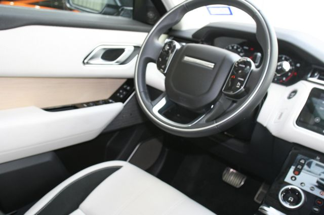 2018 Land Rover Range Rover Velar R-Dynamic SE Houston, Texas 12