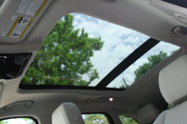 2018 Land Rover Range Rover Velar R-Dynamic SE Houston, Texas 23