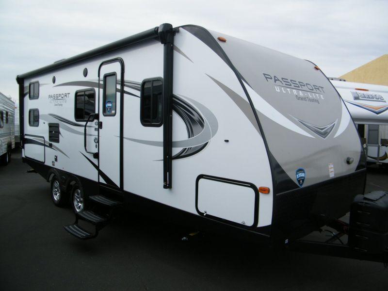 2018 Keystone 2400BHWE Ultra Lite Grand Touring  in Surprise AZ
