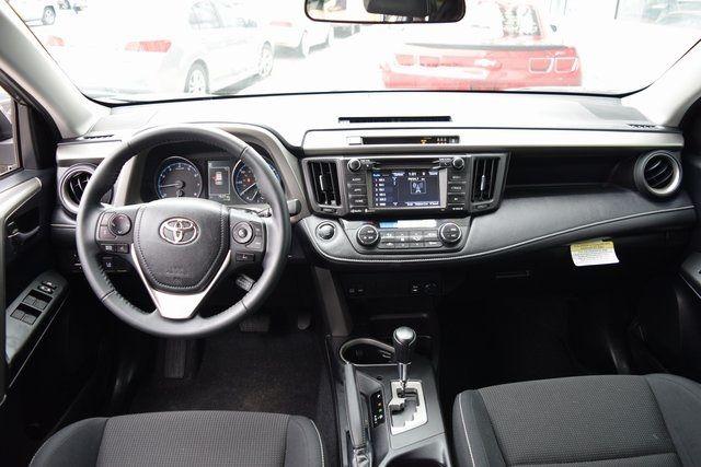 2018 Toyota RAV4 Richmond Hill, New York 21
