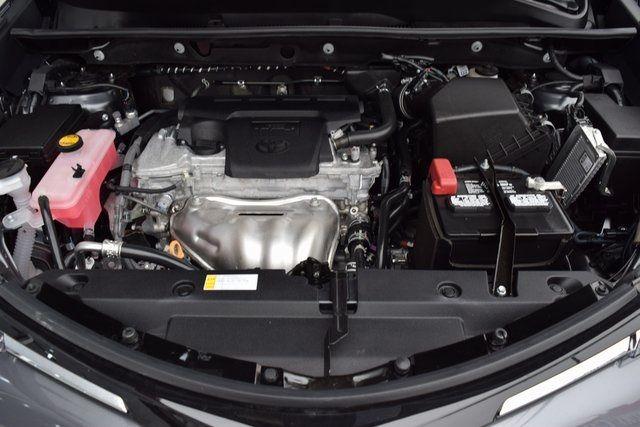 2018 Toyota RAV4 Richmond Hill, New York 4