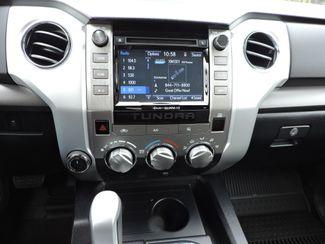 2018 Toyota Tundra SR5  LIKE NEW! Bend, Oregon 12