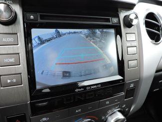 2018 Toyota Tundra SR5  LIKE NEW! Bend, Oregon 13