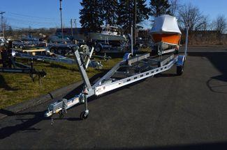 2018 Venture Commander 3400 lb Cap. Premium Trailer Fits  20-22ft Boat East Haven, Connecticut 1
