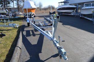 2018 Venture Commander 3400 lb Cap. Premium Trailer Fits  20-22ft Boat East Haven, Connecticut 16