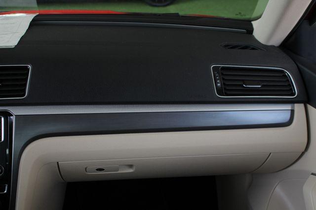 2018 Volkswagen Passat R-Line FWD - ADAPTIVE CRUISE - BLIND SPOT! Mooresville , NC 5