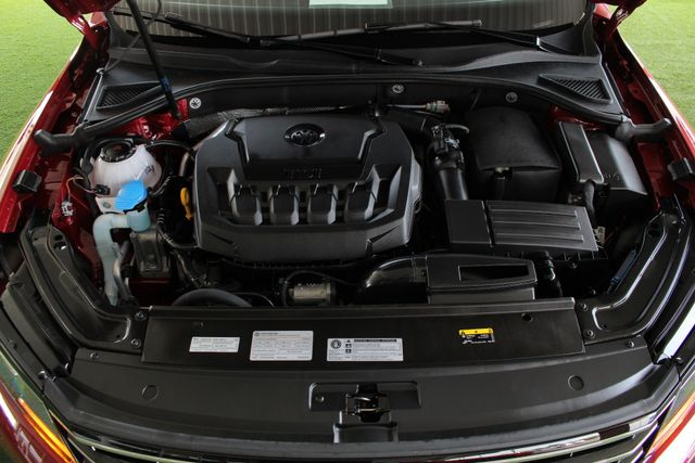 2018 Volkswagen Passat R-Line FWD - ADAPTIVE CRUISE - BLIND SPOT! Mooresville , NC 43