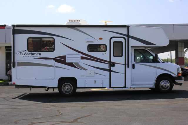 2011 Coachmen Freelander 21QB - ONLY 16K MILES  - BRAND NEW TIRES! Mooresville , NC 18