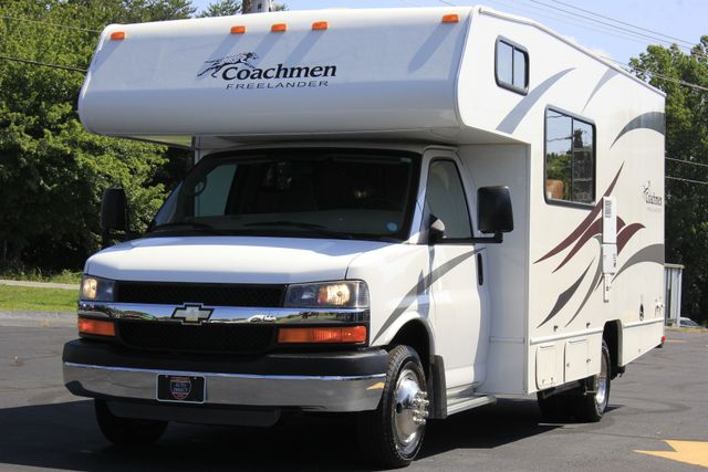 2011 Coachmen Freelander 21QB - ONLY 16K MILES  - BRAND NEW TIRES! Mooresville , NC 29